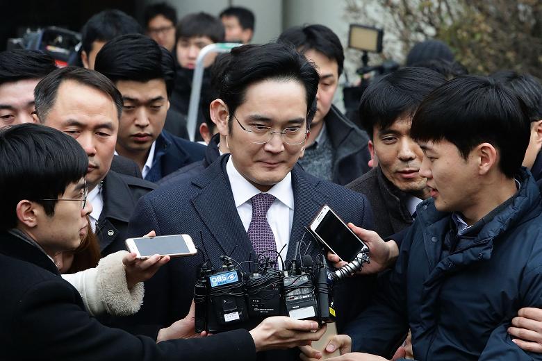 Фактический руководитель Samsung снова возглавил компанию