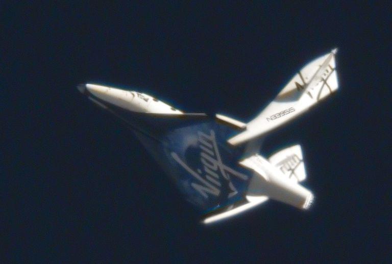 Первые испытания со включением двигателя второго SpaceShipTwo - 5