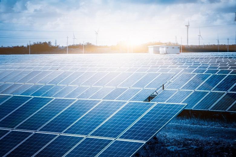 Apple полностью перешла на возобновляемые источники энергии