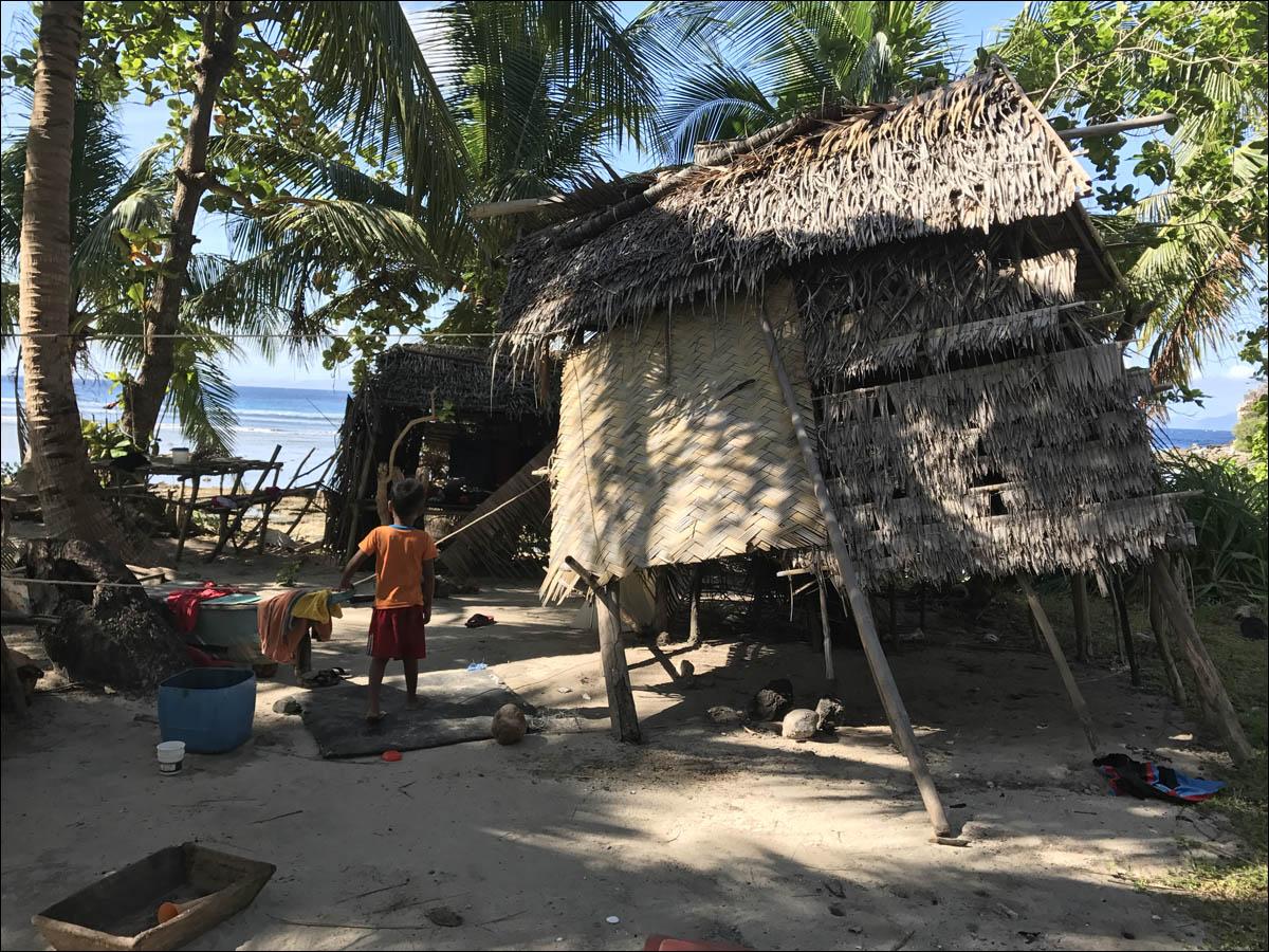 Филиппины: как на малых островах живут люди, которым не особо нужны современные технологии - 15