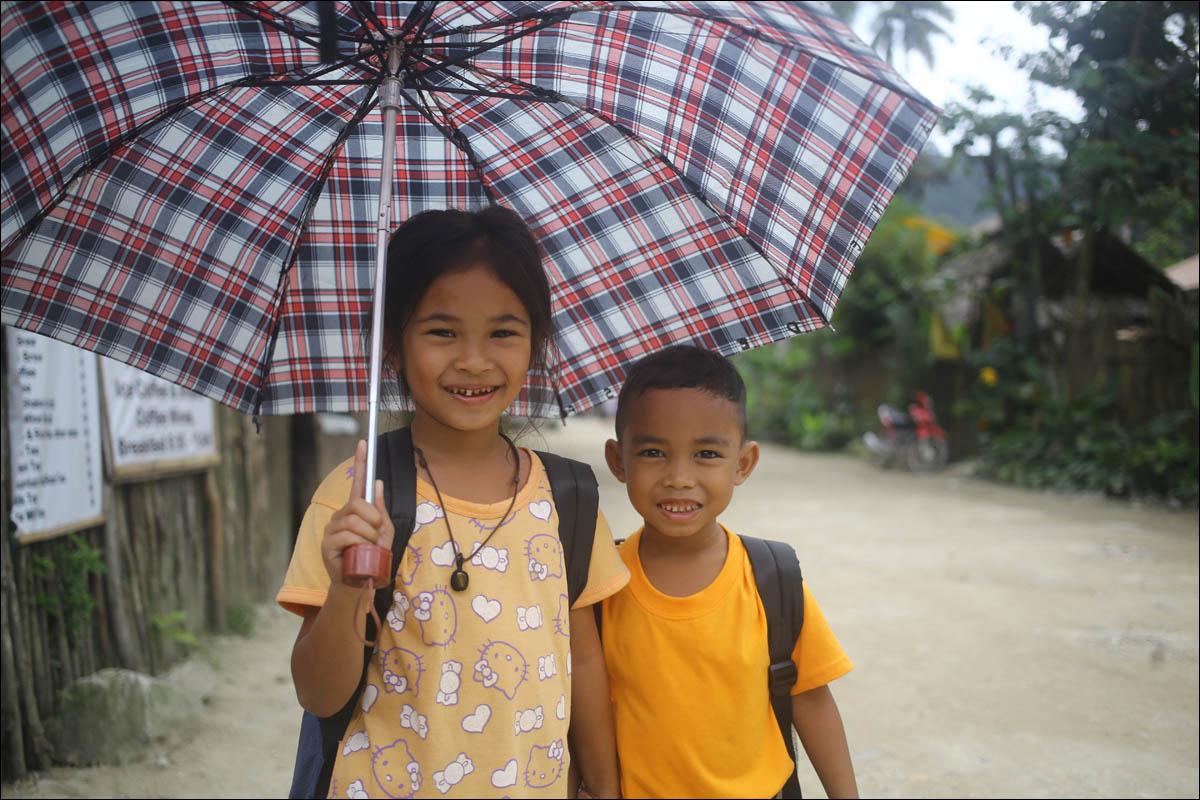 Филиппины: как на малых островах живут люди, которым не особо нужны современные технологии - 32