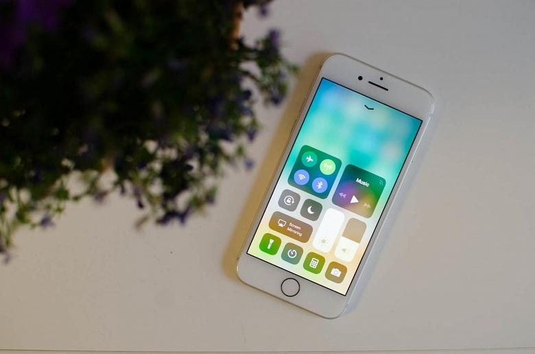 Очередное обновление iOS нарушило работу некоторых смартфонов iPhone 8, побывавших в неофициальных сервисных центрах - 1