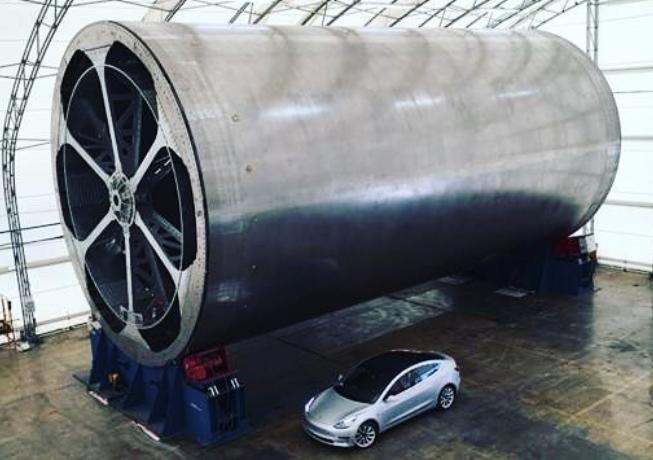 Фото дня: оснастка для изготовления корпуса ракеты SpaceX BFR - 1