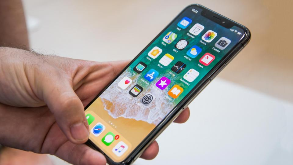 Новый апдейт iOS сделал неоригинальные экраны «восьмерок» неработоспособными - 2