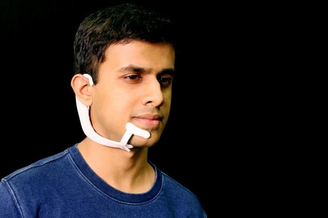 В MIT разработали новый тип интерфейса, позволяющий превращать «мысли» в голос - 1