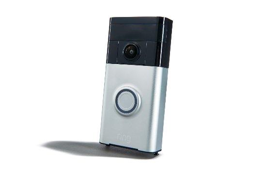 Amazon празднует приобретение компании Ring, занимающейся видеонаблюдением