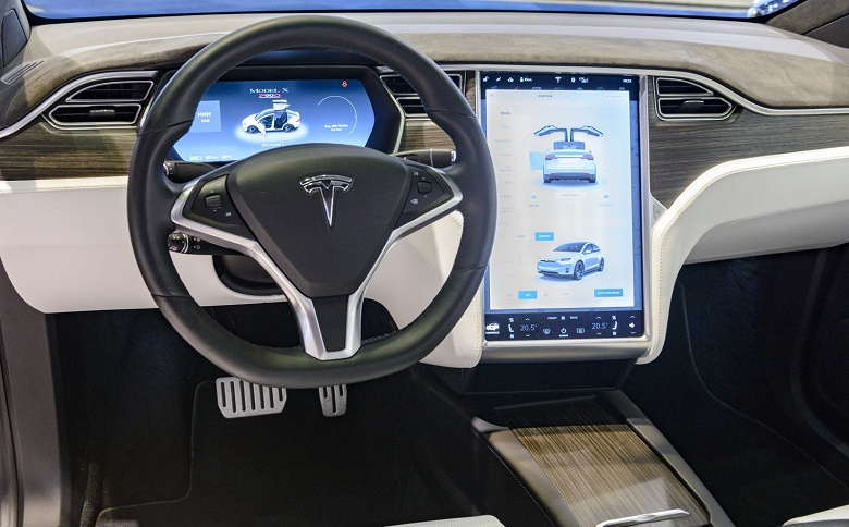 Tesla не считает себя виноватой в недавней аварии со смертельным исходом - 1
