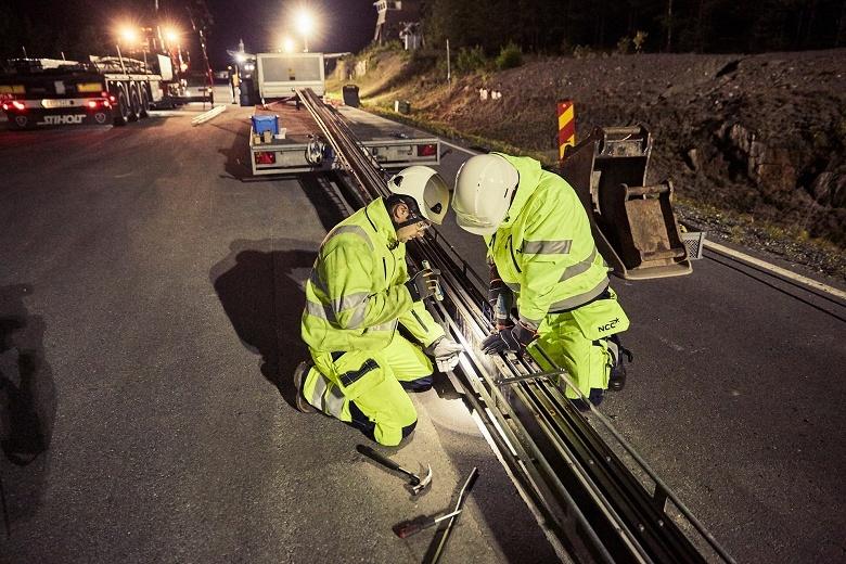В Швеции открыли первую в мире электрифицированную дорогу - 1