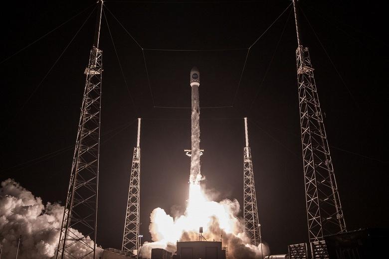 SpaceX может научиться возвращать и вторые ступени своих ракет, используя гигантские воздушные шары - 1