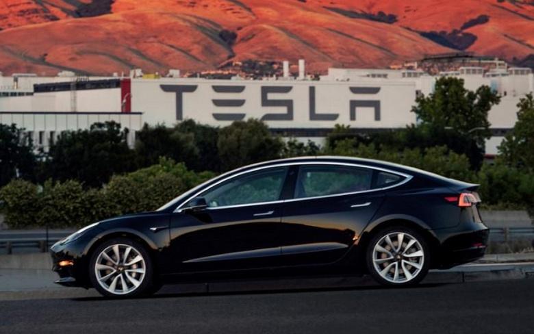 Производство Тесла Model 3 снова остановлено