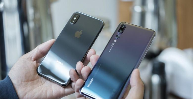Huawei постеснялась выпускать смартфон с дизайном iPhone X несколько лет назад