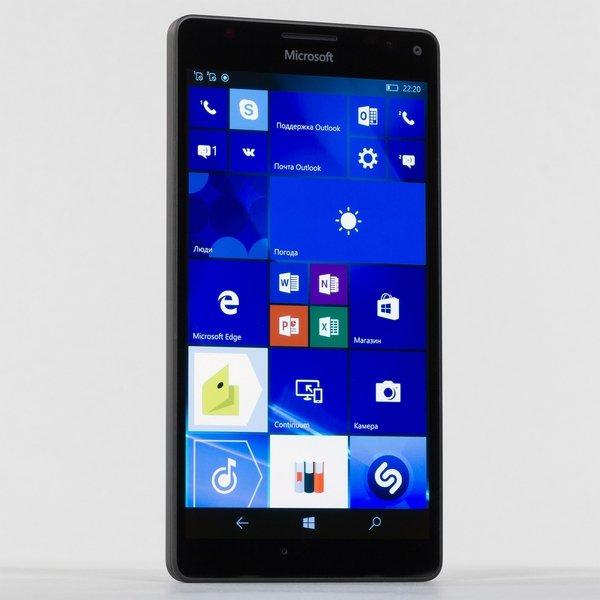 Microsoft распродала смартфоны с Windows Phone
