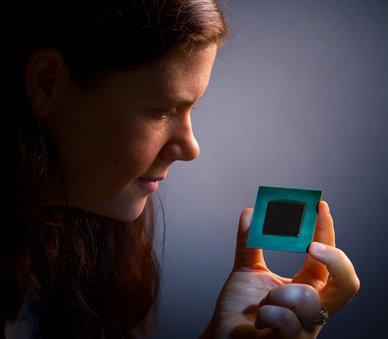 Производительность FPGA Intel Stratix 10 достигает 10 TFLOPS