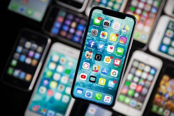 Samsung может остаться единственным поставщиком дисплеев OLED для iPhone в этом году