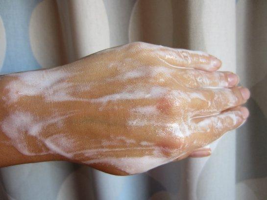 Лосьоны для тела содержат вредные химические примеси