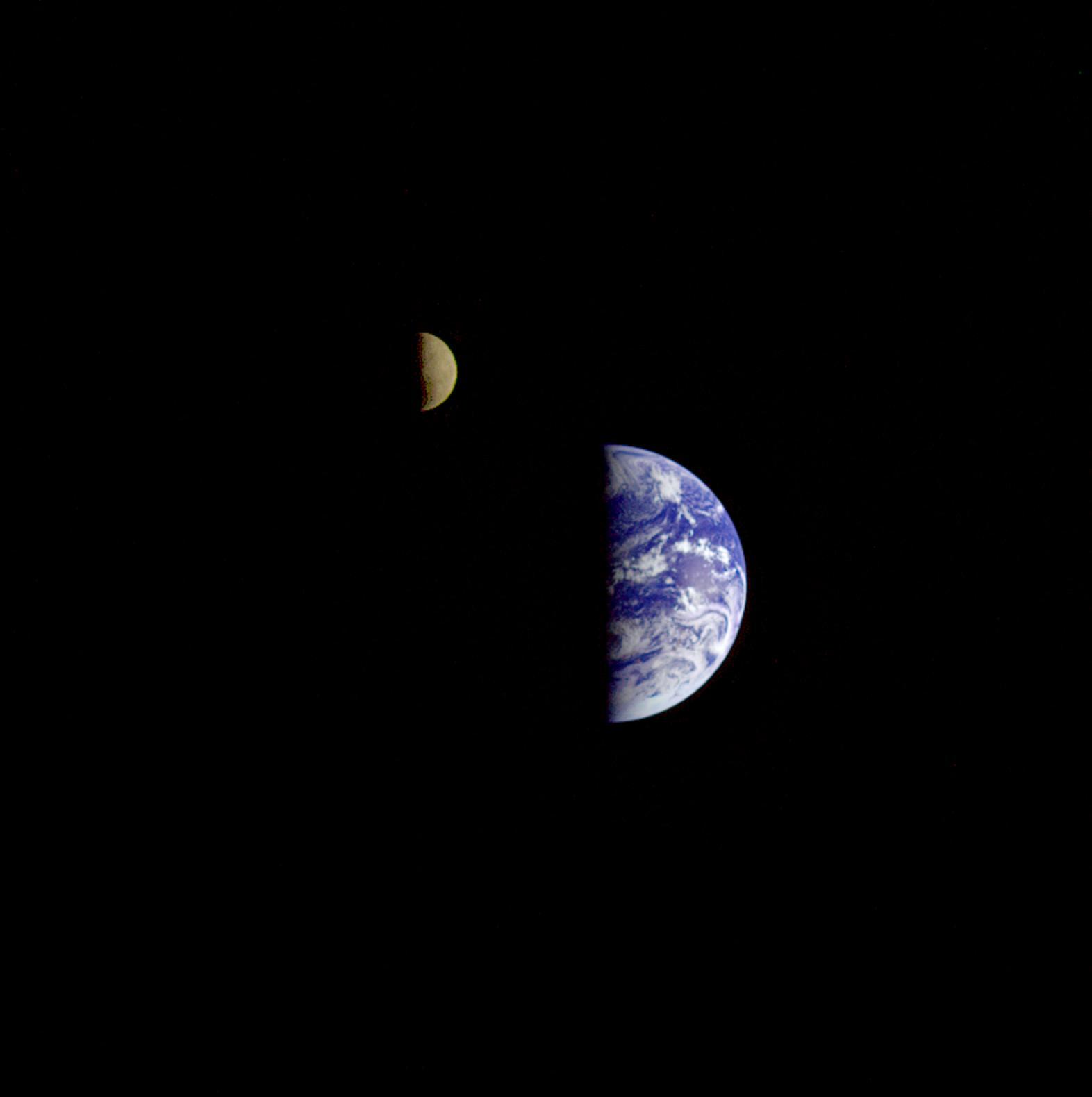 Как выглядит Земля из космоса - 13