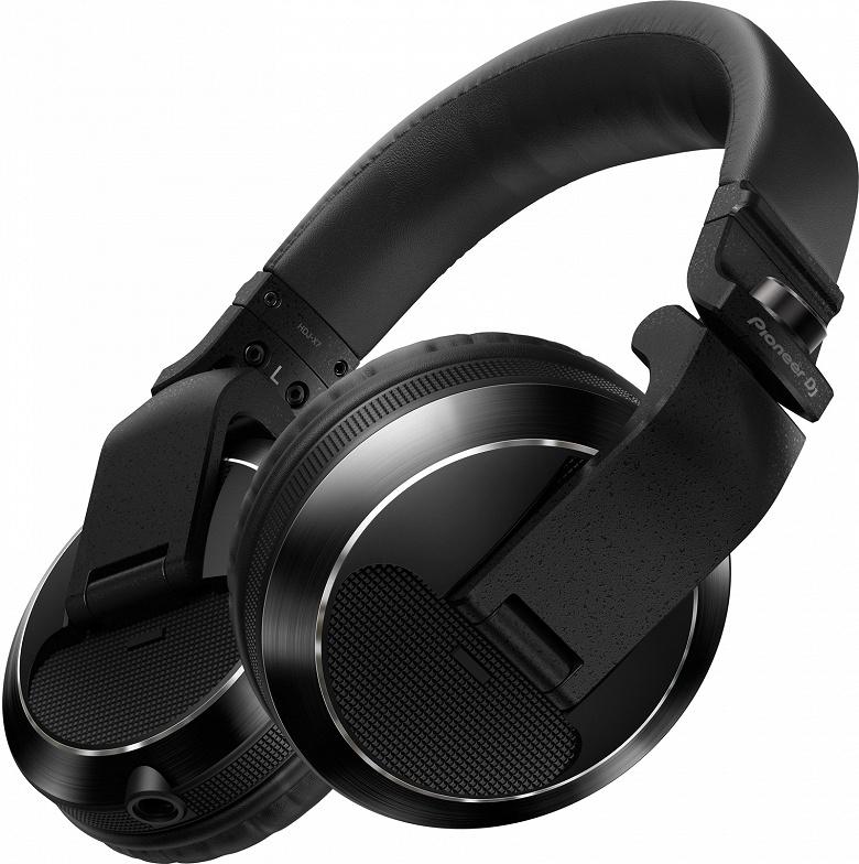 Профессиональные наушники Pioneer DJ HDJ-S7 предложены в двух вариантах