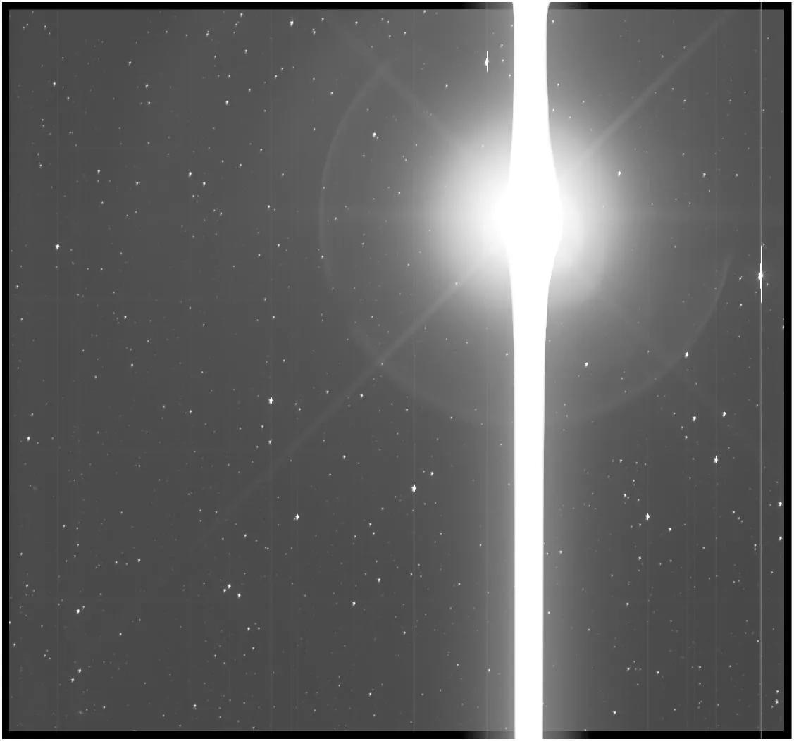 Почему на космических фотографиях не видно звёзд? - 19
