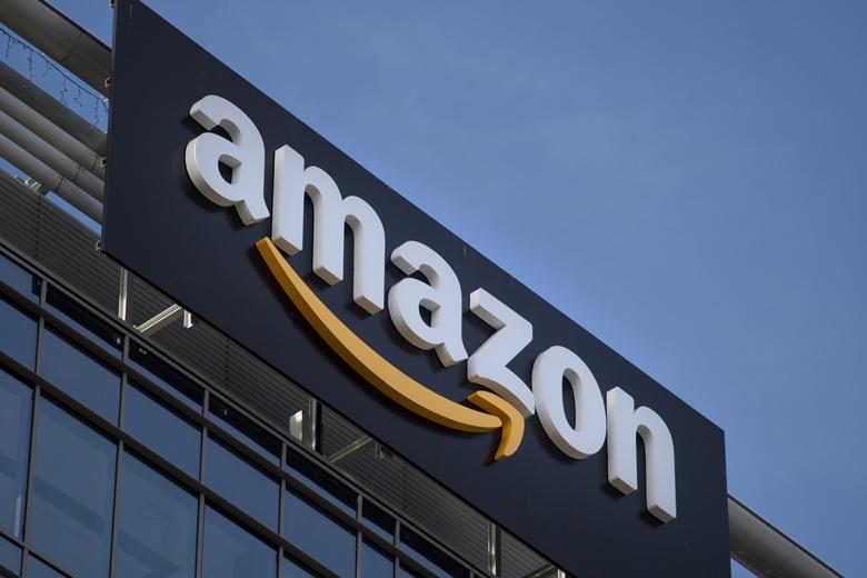 Продажи Amazon за год увеличились на 43%, но компания потеряла 1,6 млрд долларов на изменении курса валют