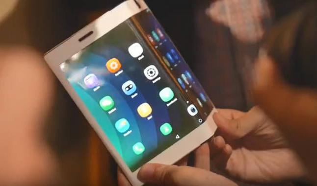 С выходом сгибающихся смартфонов планшеты ждет забвение, считает UBI Research