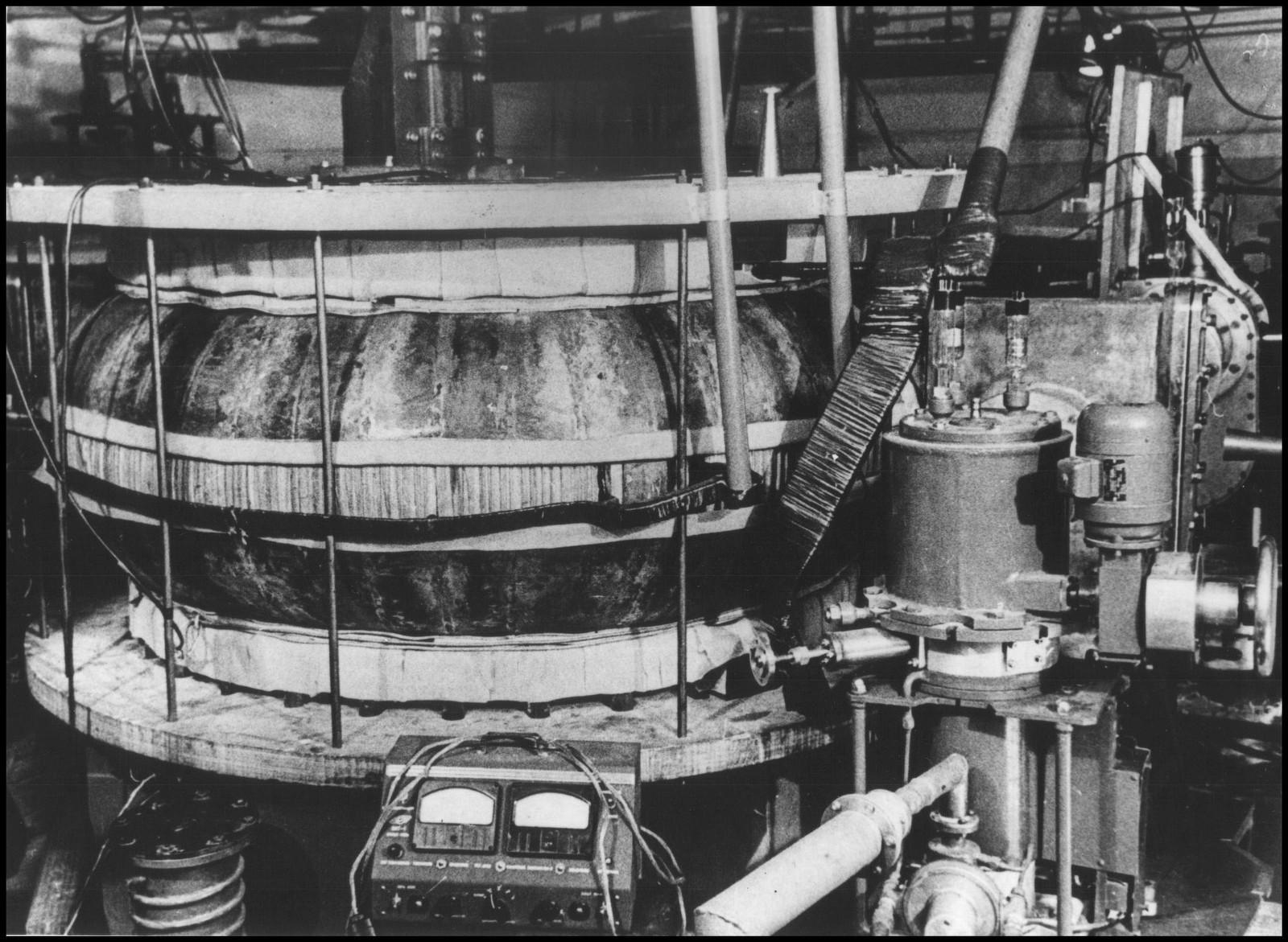 Курчатовский институт готовится к пуску гибридного токамака Т-15МД - 3