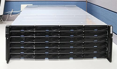 Обзор и тестирование СХД Infortrend EonStor DS2024 2-го поколения - 3
