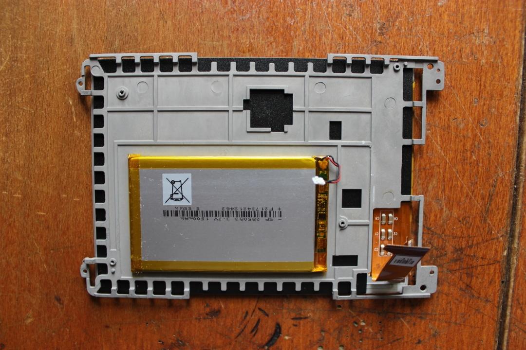 Суровый хенд-мейд от инженера-электронщика: разбираем PocketBook 631 Plus и оснащаем его солнечной батареей - 14