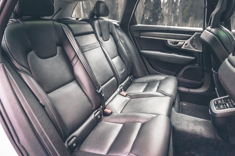 Напрямик: тест Volvo V90 Cross Country