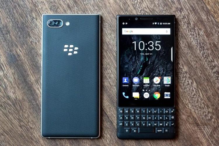 Дебют смартфона BlackBerry KEY2: хорошо знакомый QWERTY-середнячок по цене флагмана