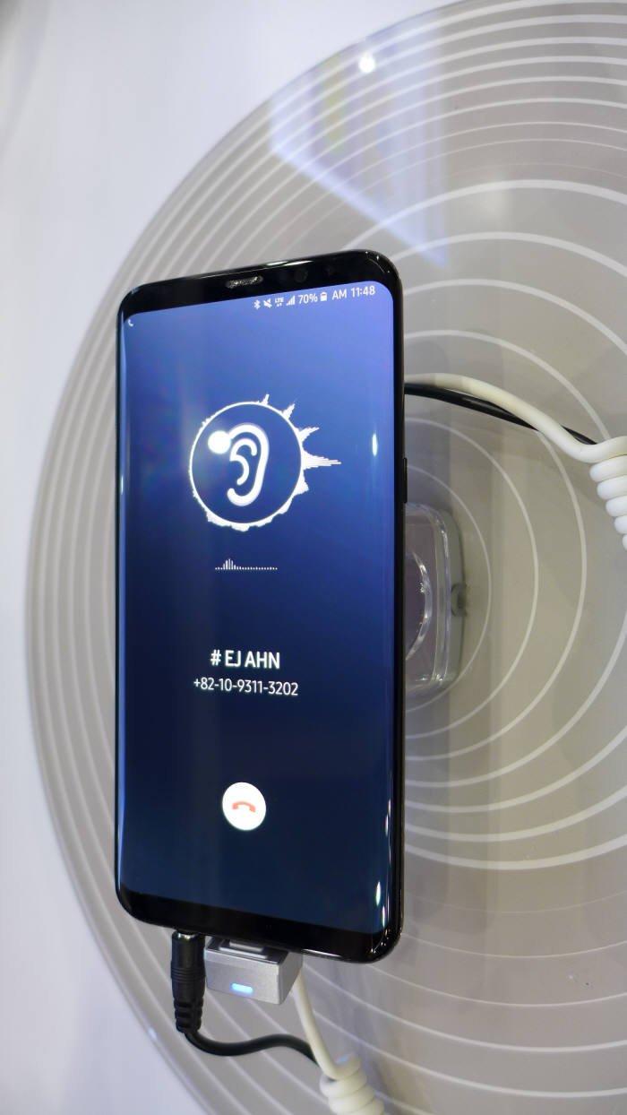 Экран Samsung Galaxy S10 может занимать 100% лицевой панели