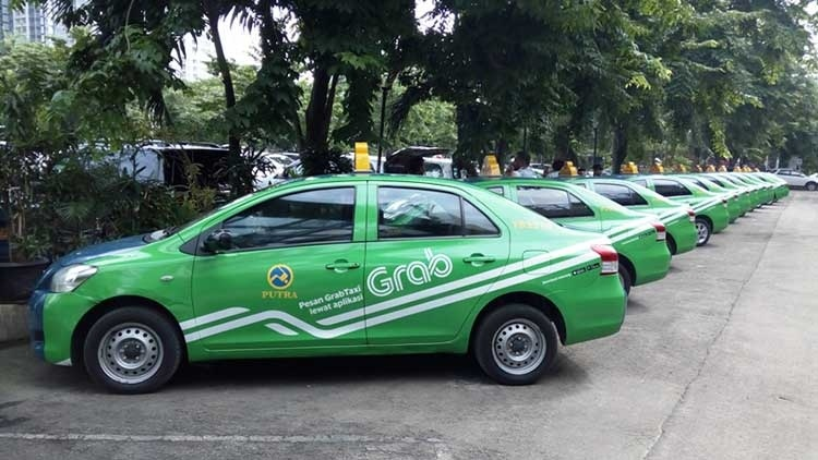 Toyota инвестирует   млрд в сервис заказа такси Grab из Юго-Восточной Азии