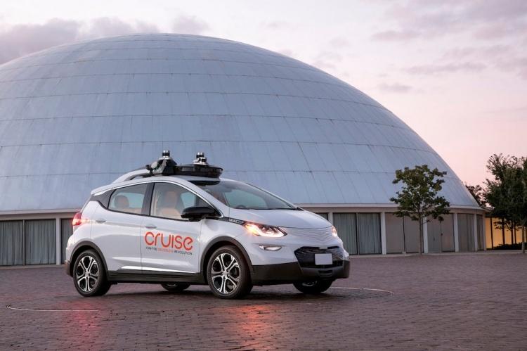 General Motors может выделить разработку робомобилей в отдельную компанию