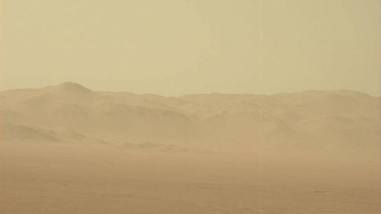 Фото дня: селфи ровера Curiosity во время пылевой бури на Марсе