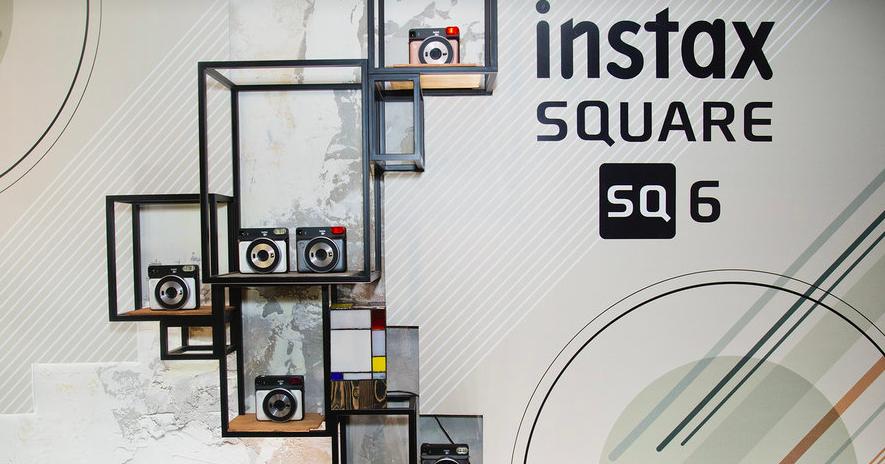 В Москве прошла презентация камеры Instax SQ6