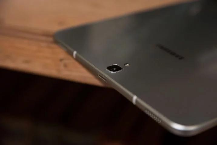 Планшет Samsung Galaxy Tab S4 получит экран диагональю 10,5 дюйма и аккумулятор емкостью 7300 мА•ч