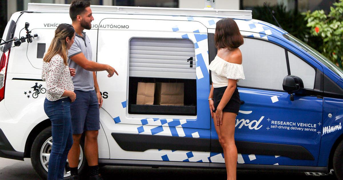 Ford начала испытания беспилотного автомобиля для доставки товаров