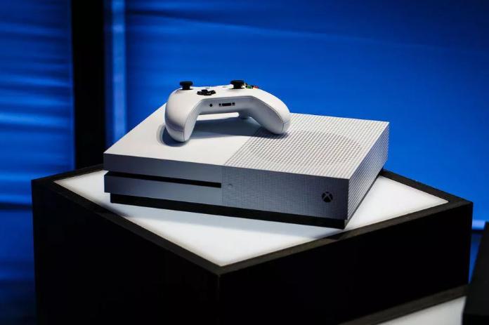Microsoft сейчас не работает над гарнитурой VR для своих консолей