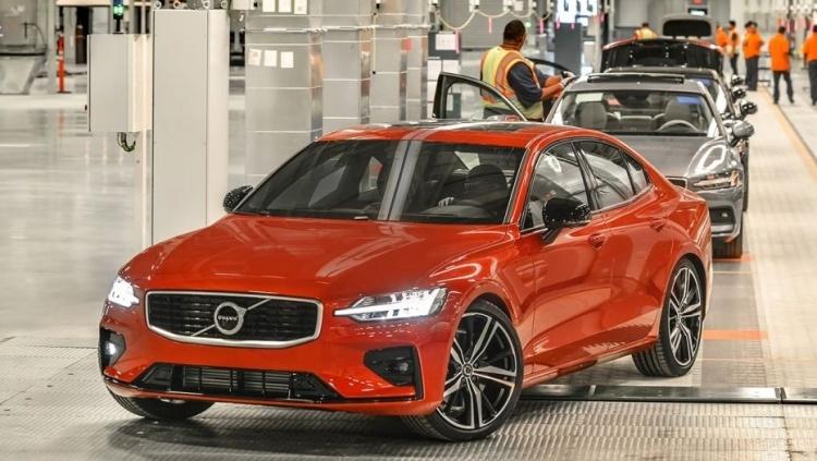 Volvo продемонстрировала первый автомобиль, собранный в США