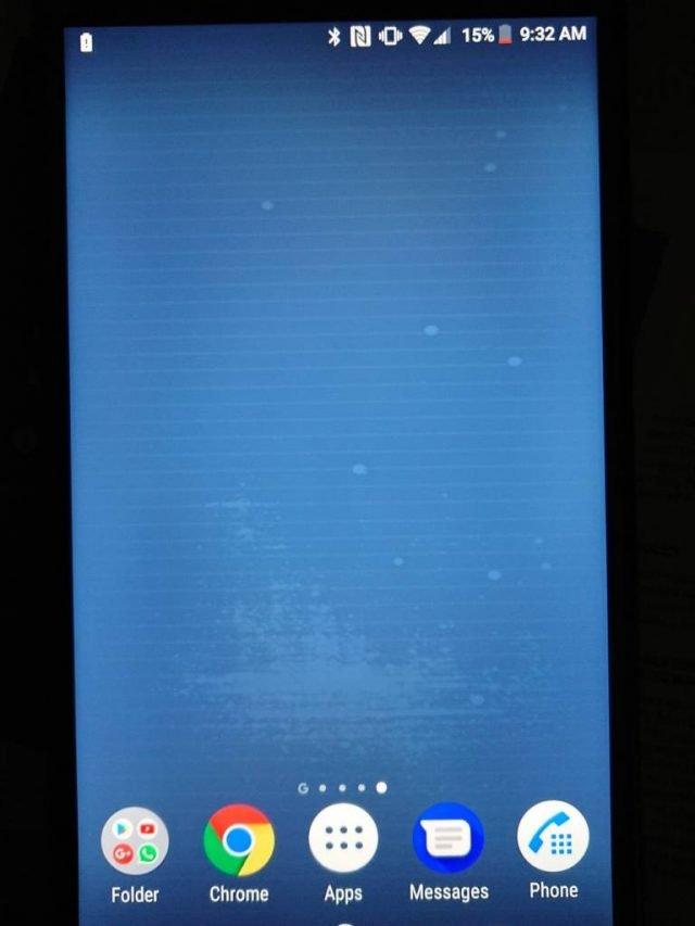 Полосы на экранах смартфонов Sony XZ1 и XZ2 — не дефект, а воздействие статического электричества
