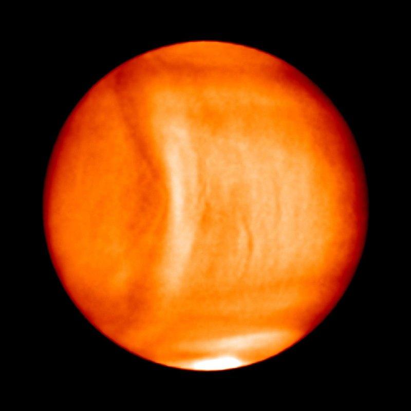 Ветер на Венере настолько силен, что ускоряет вращение планеты