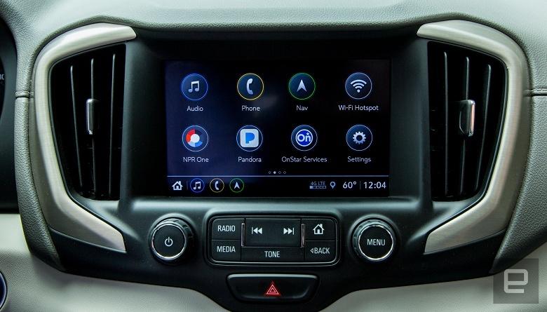 Новая автомобильная информационно-развлекательная система максимально похожа на смартфон