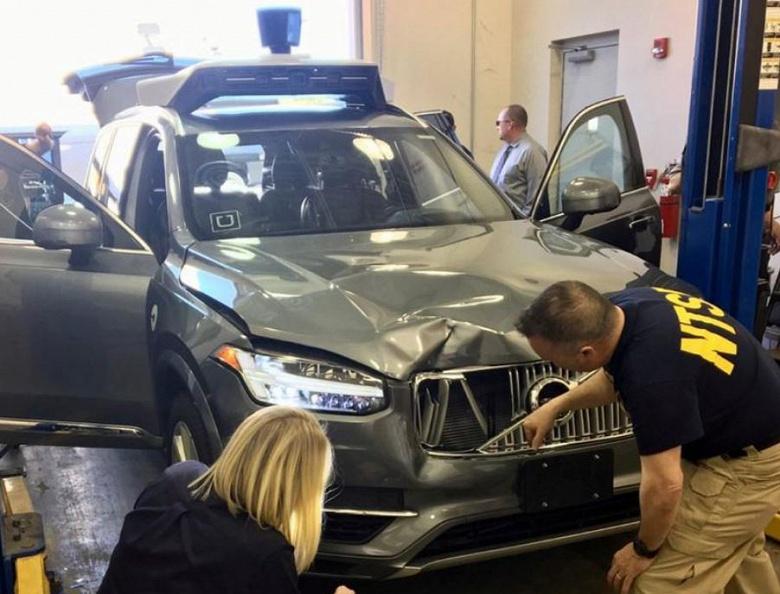 Водитель самоуправляемого автомобиля Uber перед ДТП со смертельным исходом смотрел телешоу
