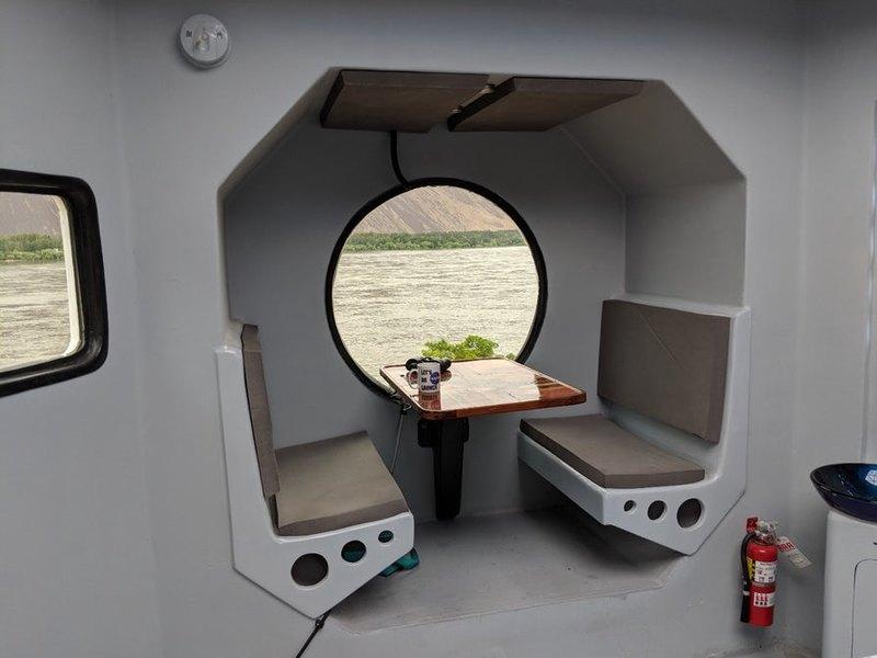 Домик в виде лунного посадочного модуля
