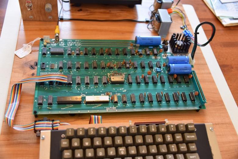 Легендарный ПК Apple-1 был продан на аукционе существенно дешевле, чем предполагалось