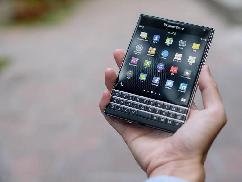 BlackBerry снова вернулась к убыткам