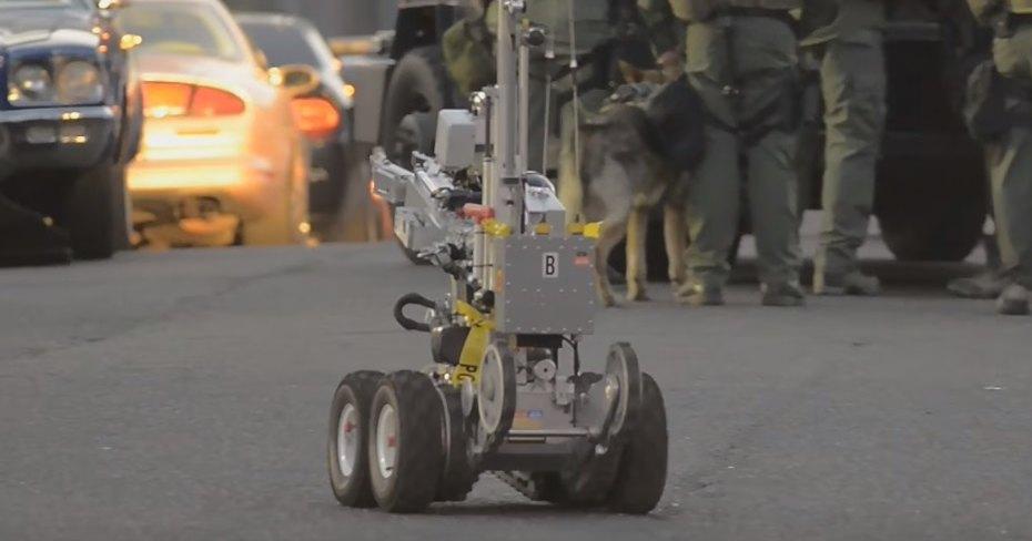 Как саперы тренируются работать в паре с роботами: видео-демонстрация