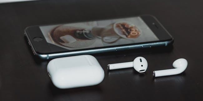 В следующем году Apple выпустит сразу несколько новых аудиоустройств, включая накладные наушники