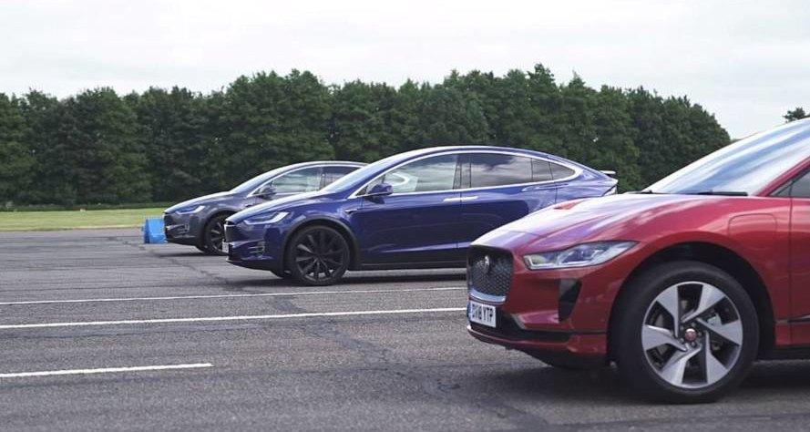 Электрокроссовер Jaguar I-Pace выставили против двух Tesla Model X: видео