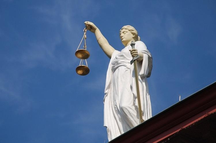 Apple и Samsung вне суда урегулировали семилетний патентный спор