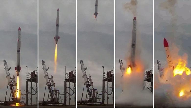 Ракета MOMO-2 разрушилась и загорелась через несколько секунд после старта